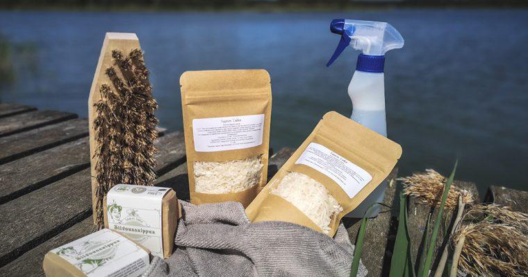 Katso videolta miten helposti ja nopeasti saat keittiön pinttyneet rasvajäämät puhdistettua ekologisella Saaren Taika Siivoussaippualla <3