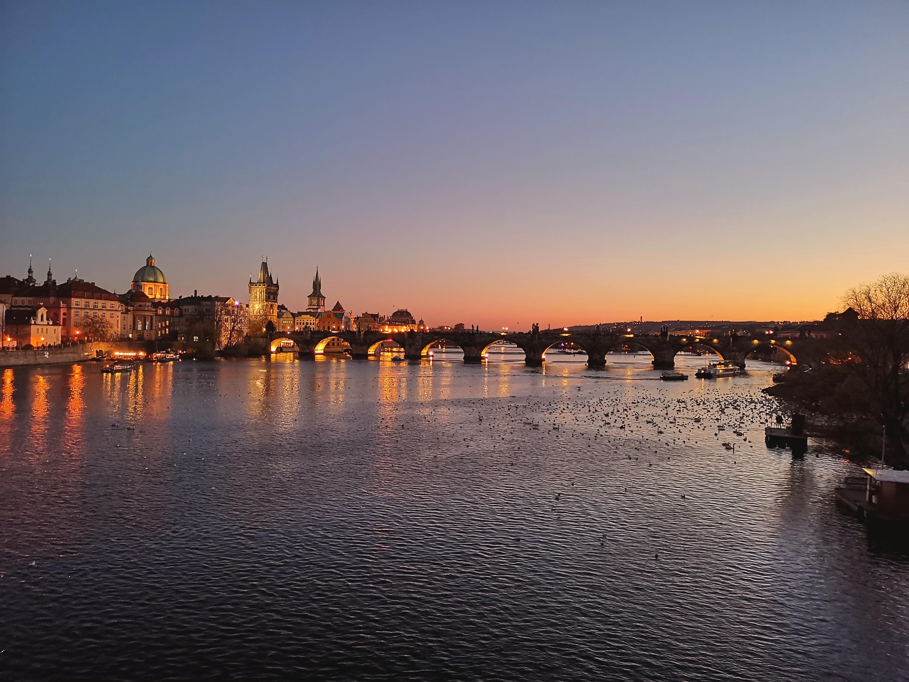 Huomenta romanttisesta Prahasta – Loma päivä 6 – Samettivallankumouksen muistopäivä