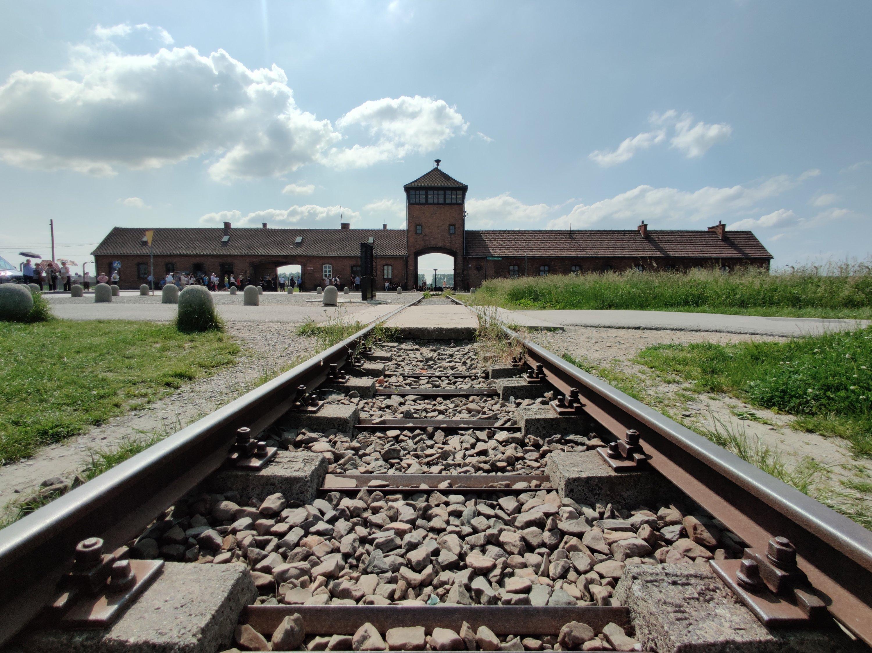 Pikavisiitti Krakovaan,  vaikuttava Auschwitz-Birkenau ja budjettimatkaajan vinkit satojen eurojen säästöihin!