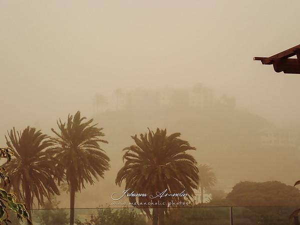 Hiekkamyrskyn aiheuttama lentokielto ja lisäloma Las Palmasissa